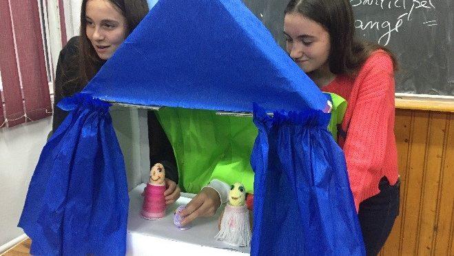 DEOR: Les petits théâtres en papier en classe de FLE